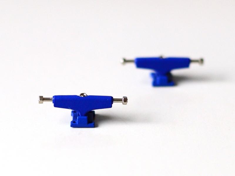 2KR trucks blue