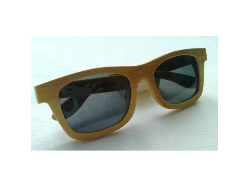bf99d7b3d Drevené slnečné okuliare s čiernym sklom - 2KR fingerboards