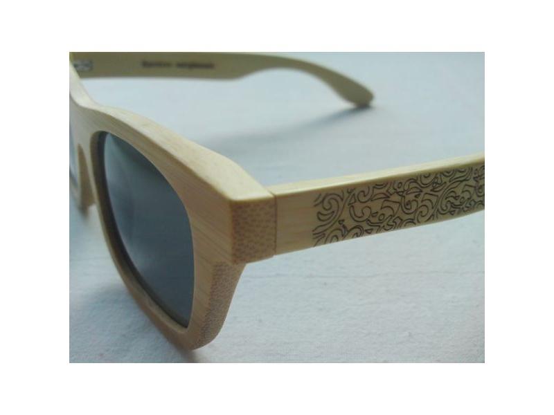 384fc3ac5 ... Drevené slnečné okuliare s čiernym sklom. Zobraziť všetky obrázky